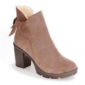 BearPaw Eden suede boots sheepskin footbed size 9